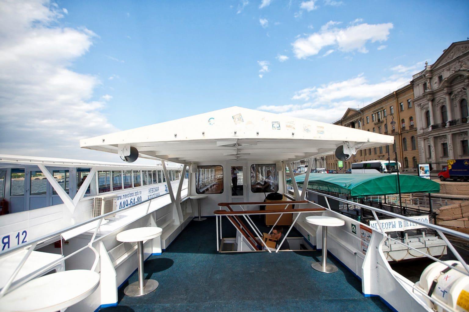 Теплоход Глория - фото открытой палубы