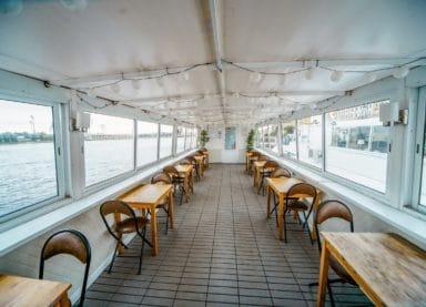 Теплоход Москва 178 - закрытая палуба