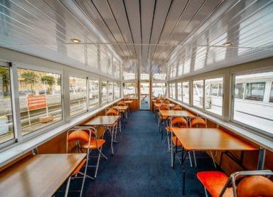 Теплоход Нефрит - столы на верхней палубе